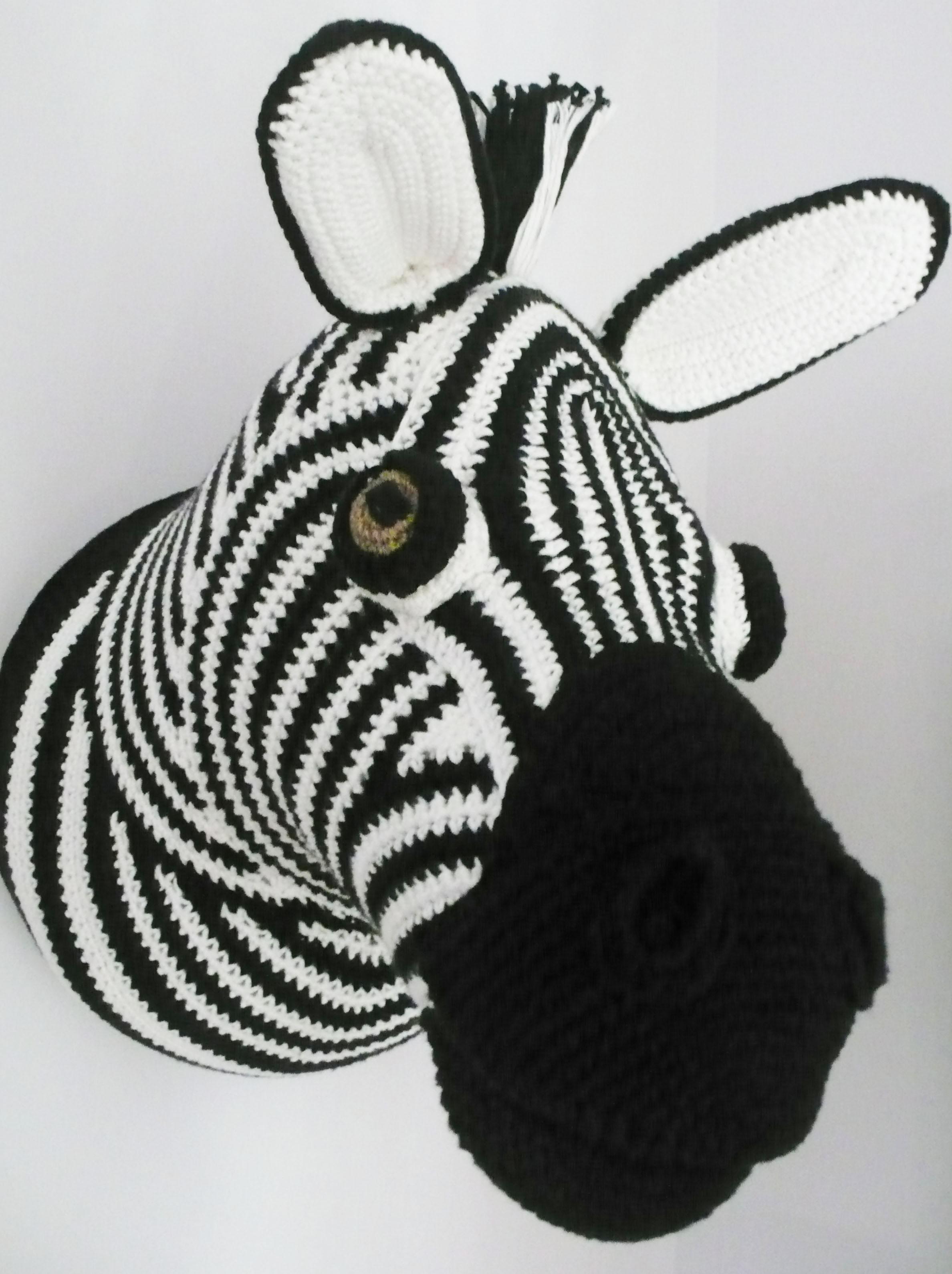 The knitting fox